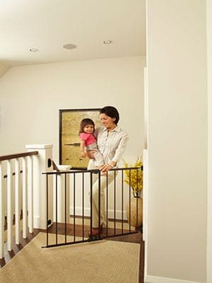 Swinging-child-swinging child proof baby gate