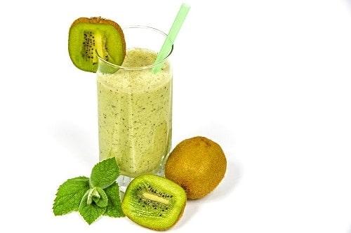 glass of kiwi fruit