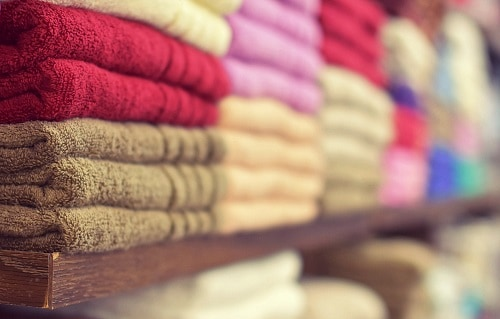 Assorted color of towels