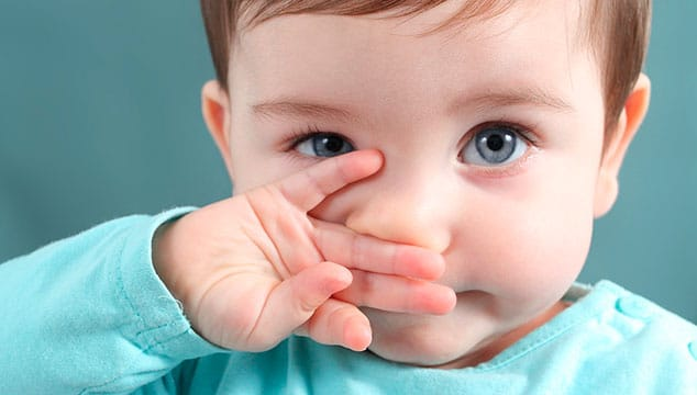 Baby suffering from congested nose and cold