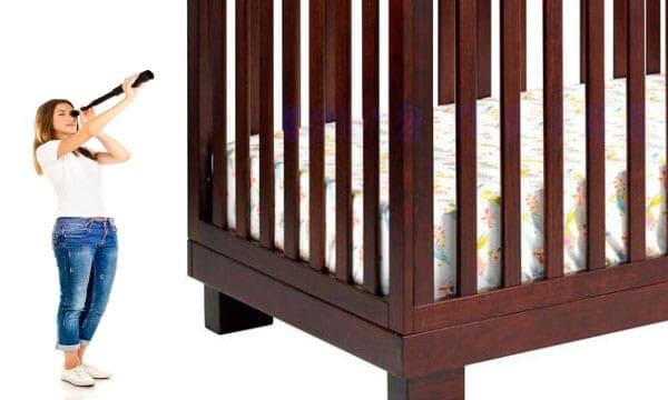 best baby crib for short moms