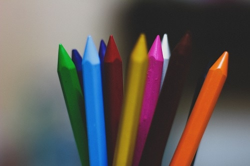 Assorted color of crayons