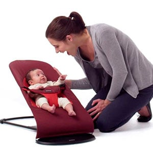 baby playing with mum in baby bouncer -babybjorn bouncer balance soft