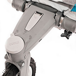 lockable front wheel of the jogging stroller - thule chinook chariot