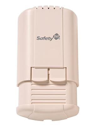 Safety 1st baby proof adapter and plug cover