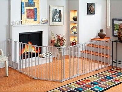 North States supNorth States superyard baby gate installed in L shapeeruard baby gate installed in L shape