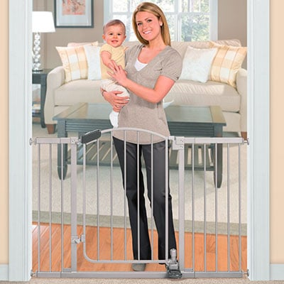 summer infant step to open baby gate - no hands needed