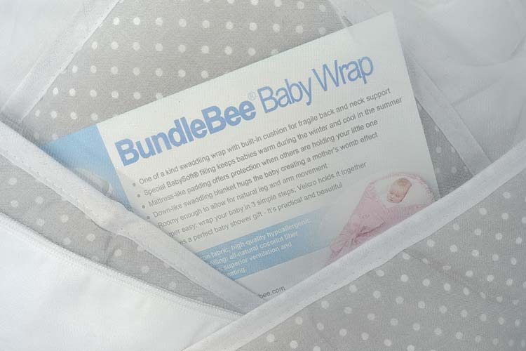 Bundelebee baby wrap and swaddle features