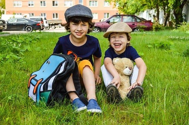 kids-backpack-boys-bear-lawn-baby-  best kids luggage